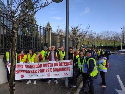 """Un centenar de transportistas de la central de As Pontes hacen el Camino para exigir """"empleo"""" y """"una transición justa"""""""