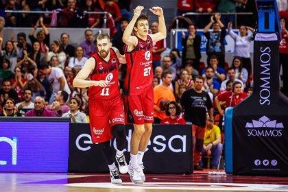 Zaragoza sale del bache e Iberostar Tenerife doblega a Estudiantes