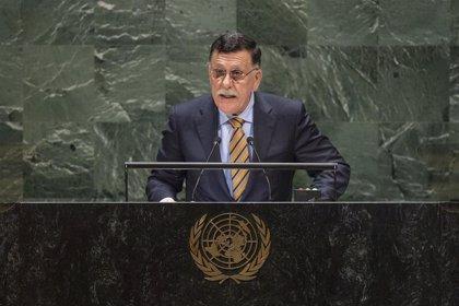 Serraj declara su desconfianza hacia las intenciones de Haftar sobre la firma de un alto el fuego en Berlín