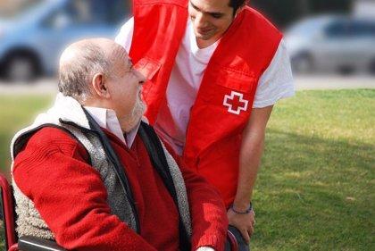 """El nuevo dispositivo de Cruz Roja que recurre a la voz del nieto: """"Abuelo, tómate la pastilla"""""""
