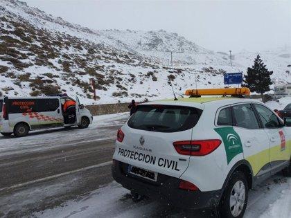 Aviso naranja en Jaén, Granada y Almería por nevadas y amarillo en Cádiz por oleaje por la borrasca 'Gloria'