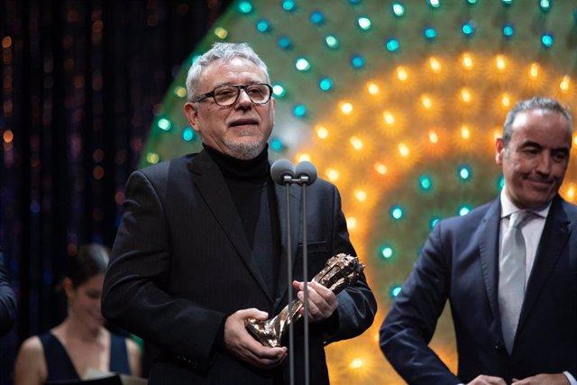 El director de 'La catedral del mar', Jordi Frades, recoge el Premi Gaudí a la Mejor Película para Televisión.