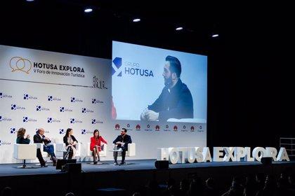 Reyes Maroto inaugura la VI edición del Foro Hotusa Explora