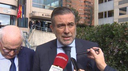 """Enrique López ve """"frívolo"""" limitar el horario de las casas de apuestas y pide """"seriedad"""" a Garzón"""