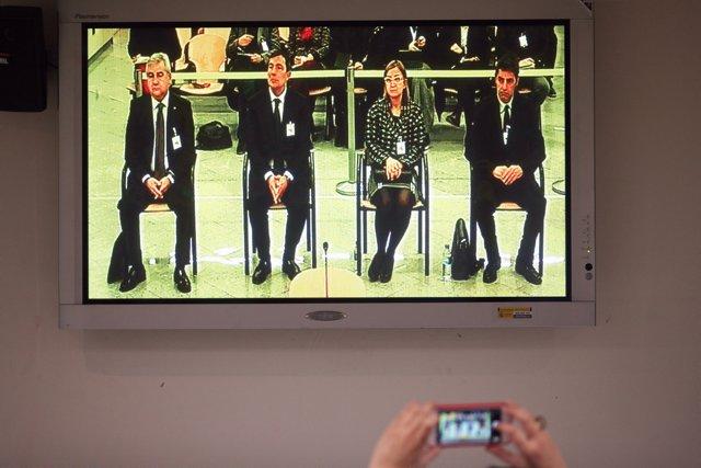 El exsecretario de Interior de la Policía de la Generalitat, Cesar Puig; el exdirector de los Mossos d'Esquadra, Pere Soler; la exintendente de Mossos d'Esquadra, Teresa Laplana; y el exmayor de los Mossos d'Esquadra, Josep Lluís Trapero.