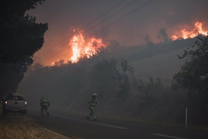 """VÍDEO: Australia alerta de """"tormentas severas"""" con riesgo de inundaciones en zonas afectadas por los incendios"""
