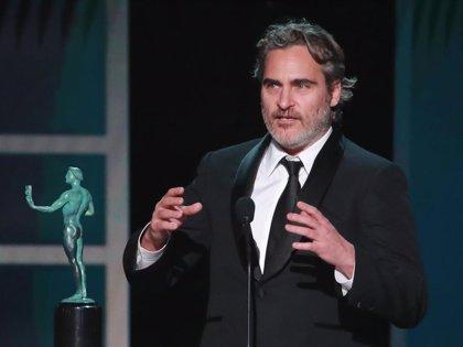 Joaquin Phoenix homenajea a Heath Ledger en los Premios SAG