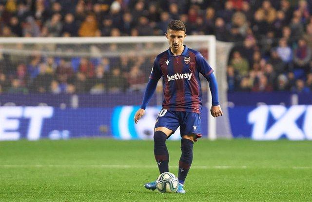 Fútbol.- El Levante pierde dos semanas a Bardhi por una lesión muscular