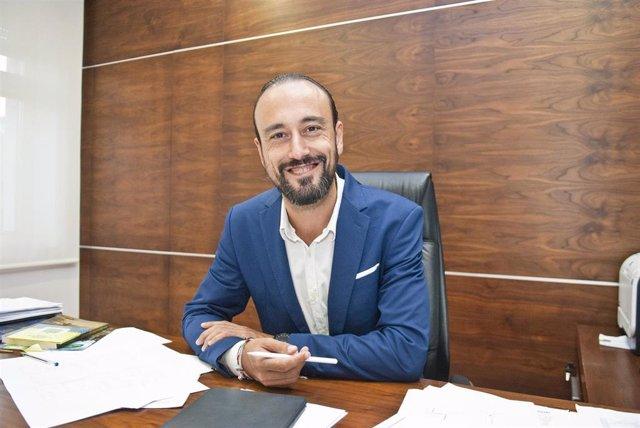 """Torrelavega.- El alcalde anuncia el inicio """"inminente"""" de la construcción de la pasarela peatonal sobre el Saja-Besaya"""