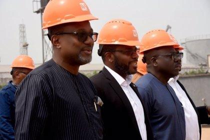 El Ministro de Minas e Hidrocarburos de Guinea Ecuatorial  visita la refinería modular Waltersmith