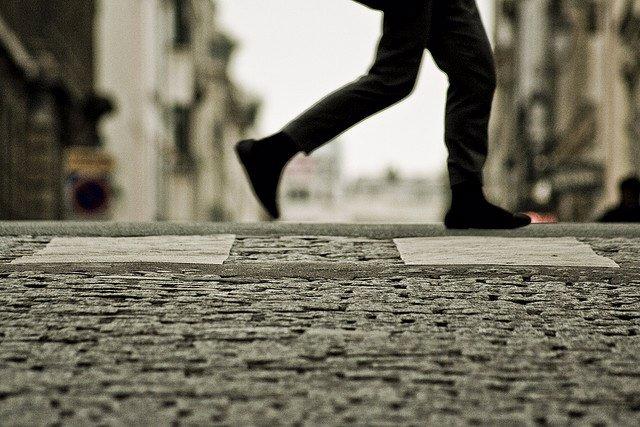 marcha, andar, pasear, calle, paso de cebra, pies
