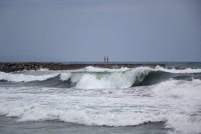 Olas, temporal, frío, lluvia, mar (archivo)