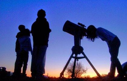 Avila presenta en Fitur el turismo de estrellas, en el que quiere conseguir el certificado Start Light