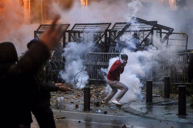 Enfrentamientos durante las protestas contra el Gobierno en la capital de Líbano, Beirut