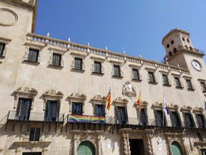 Diversitat y el Observatorio contra la LGTBIfobia denuncian que el pin parental vulnera los derechos del niño