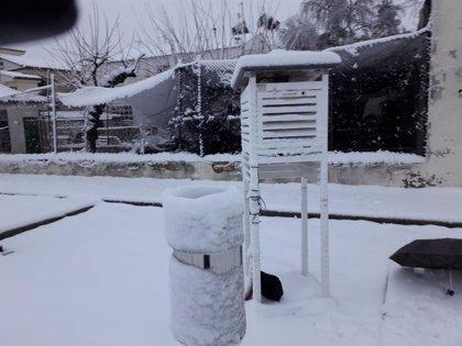 Ontinyent vive su mayor nevada en 15 años con diez centímetros acumulados en un solo día