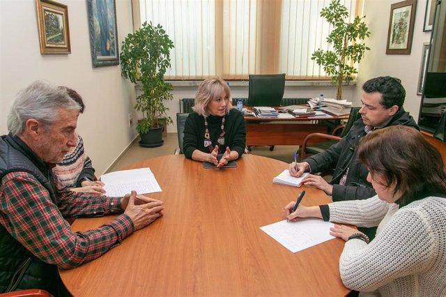 La alcaldesa de Polanco, Rosa Díaz, preside la Junta de Portavoces sobre el proyecto de la caldera de incineración de residuos de Solvay