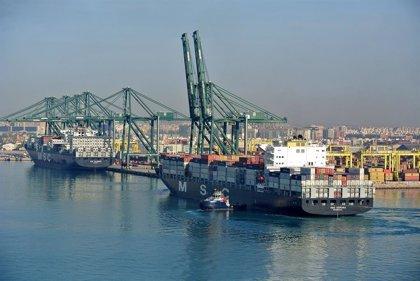 Dos de las terminales de contenedores del Puerto de Valencia cerrarán este martes por la mañana debido al temporal