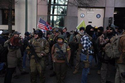 Miles de defensores de las armas se manifiestan en Richmond, Virginia
