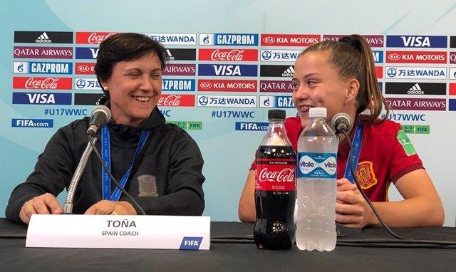 Toña Is junto a Claudia Pina durante el Mundial Sub-17 de 2018