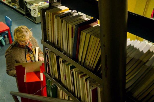 El Ayuntamiento quiere que los libros de las bibliotecas municipales se adquieran en librerías de Madrid