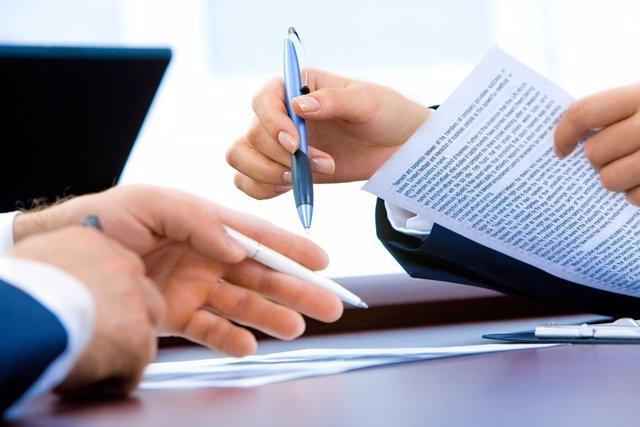 Firma de documentos, contratos