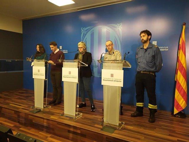 Lourdes Puigbarraca (Servei Català de Trànsit), Santi Segalà (Servei Metereològic de Catalunya), Isabel Ferrer i Sergio Delgado (Protecció Civil) i José Luís López (Bombers)