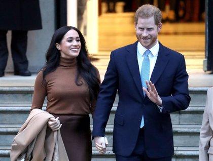 El príncipe Harry llega a Canadá para comenzar su nueva vida con Meghan Markle