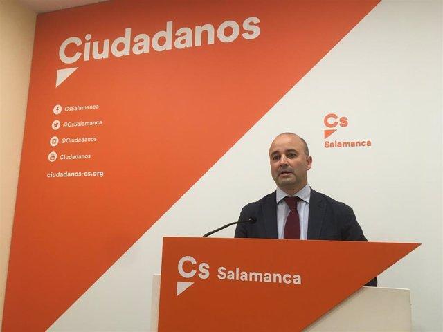 El procurador de Cs David Castaño analiza las últimas dimisiones en la formación naranja.