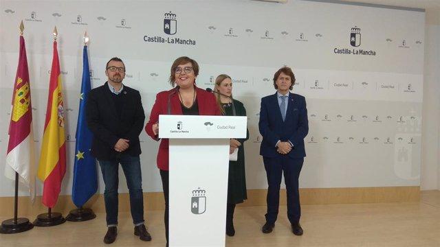 La delegada de la Junta en Ciudad Real, Carmen Olmedo, en la presentación de las actividades de Fitur
