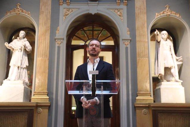 El portavoz del Partido Popular en el Senado, Javier Maroto, en rueda de prensa tras la reunión de la Junta de Portavoces del Senado, en Madrid (España), a 16 de enero de 2020.