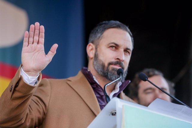 El presidente de Vox, Santiago Abascal, durante una concentración frente al Ayuntamiento de Madrid