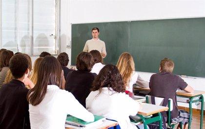 Hasta 300 docentes se han incorporado ya a las aulas para poner en marcha los programas Titula-S e Ilusiona-T