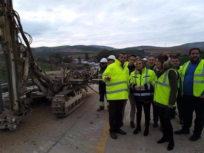 La Consejería de Fomento inicia la obra de mejora de la carretera que une los municipios malagueños de Ronda y Ardales