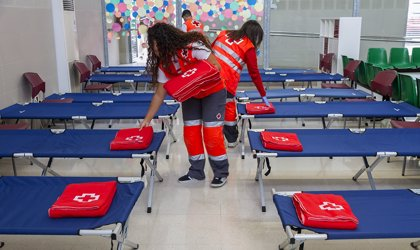 El Ministerio de Defensa y Cruz Roja renuevan su colaboración en acciones de ayuda humanitaria y en emergencias