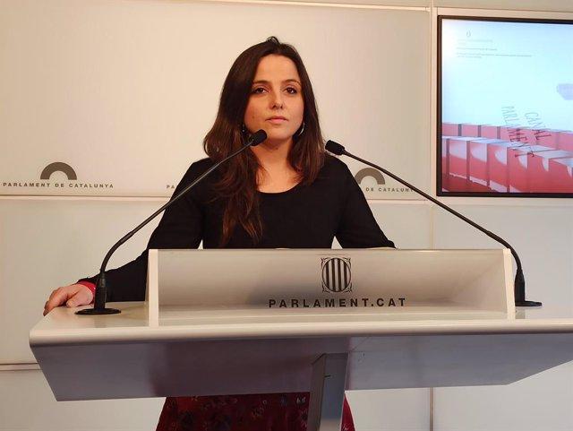 La diputada de la CUP al Parlament Maria Sirvent en roda de premsa.