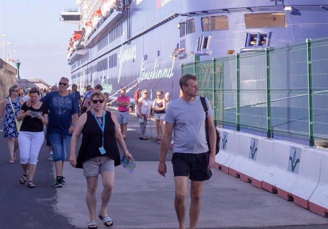 Cruceristas en el puerto de San Sebastián