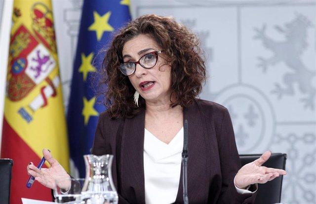 La ministra de Hacienda y portavoz del Gobierno, María Jesús Montero, este martes en la rueda de prensa del Consejo de Ministros.