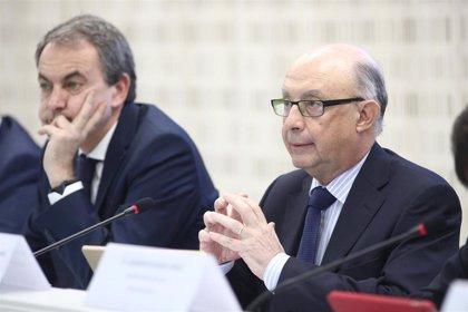 El exministro Montoro, nuevo consejero del Foro de Contratación Socialmente Responsable que preside Zapatero