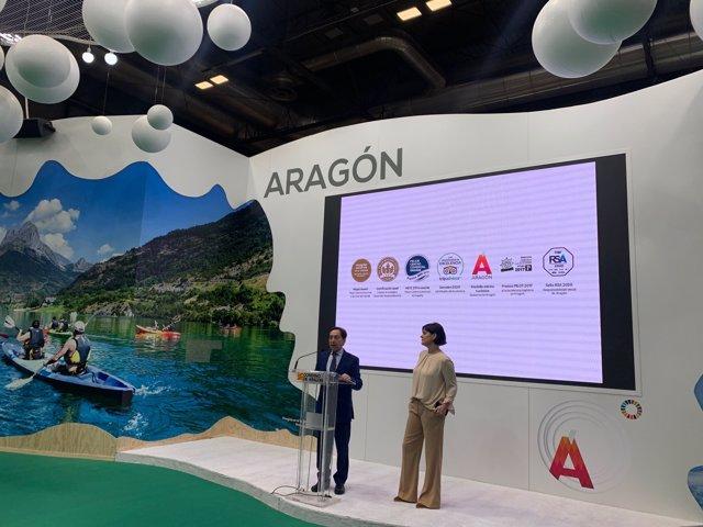 Salvador Arenere, de Intu Puerto Venecia y Elena Allué, directora general de Turismo del Gobierno de Aragón