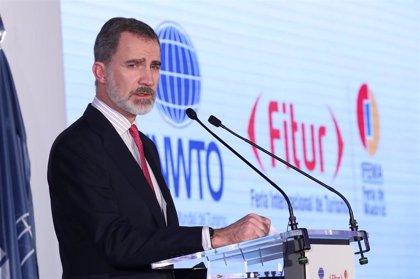 """El Rey destaca la apuesta por la """"innovación, la excelencia y la sostenibilidad"""" como claves del modelo turístico"""