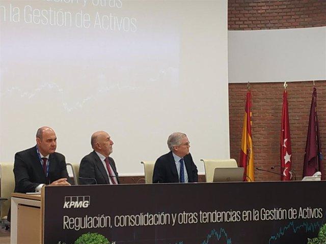 El presidente de la CNMV, Sebastián Albella, participa en las jornadas 'Regulación, consolidación y otras tendencias en la gestión de activos' organizadas por KPMG, este miércoles.