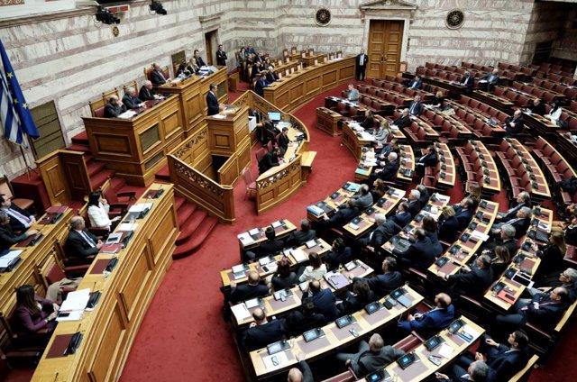 Sesión Parlamentaria en la que Katerina Sakellaropoulou ha sido elegida como primera presidenta de Grecia