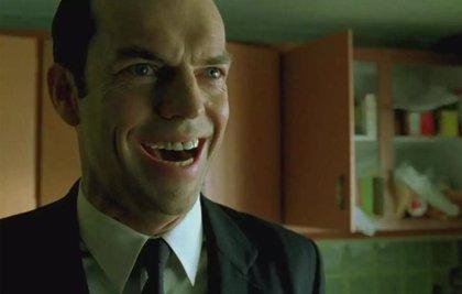 Hugo Weaving revela si estará en Matrix 4 como Agente Smith