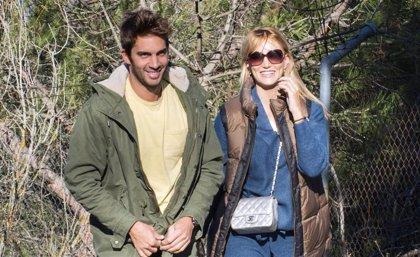 Alba Carrillo y Santi Burgoa continúan con su historia de amor sin esconderse