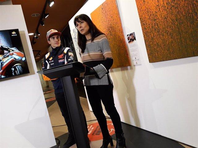 El piloto de MotoGP Marc Márquez (Repsol Honda) en la inauguración de la exposición de ocho cuadros pintados por él mismo con una Honda, en su museo de Cervera