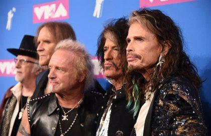 Mal rollo en Aerosmith: Joey Kramer denuncia que no le readmiten tras sus problemas de salud y el resto le responde