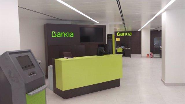 Interior de una oficina de Bankia