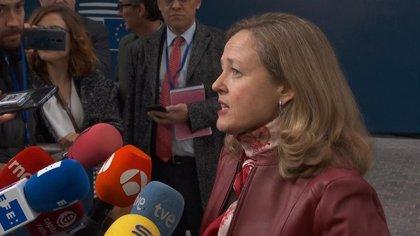"""Calviño dice que hay """"alineamiento"""" con Bruselas en las prioridades de política económica, a falta de cifras"""