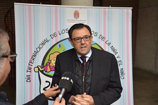 El concejal de Educación, Carlos Ruiz Cosano